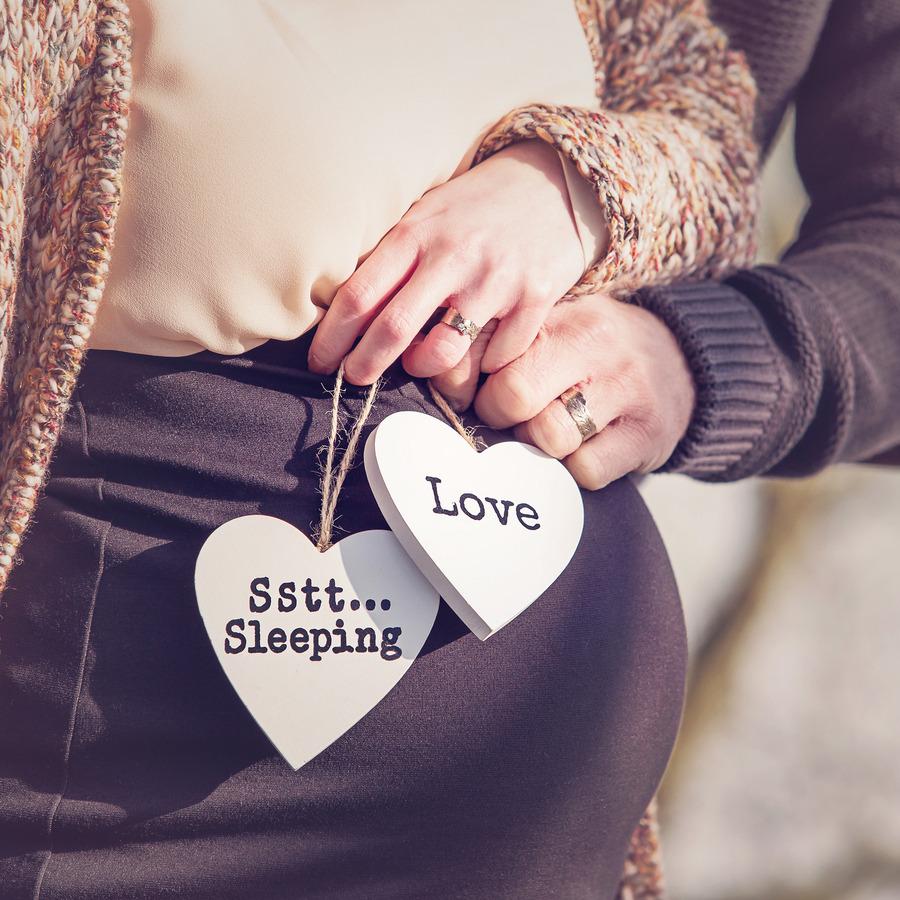 zwangerschapsshoot close up love sstt sleeping diepnheim